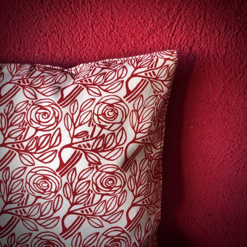Detail Born Roses Cushion