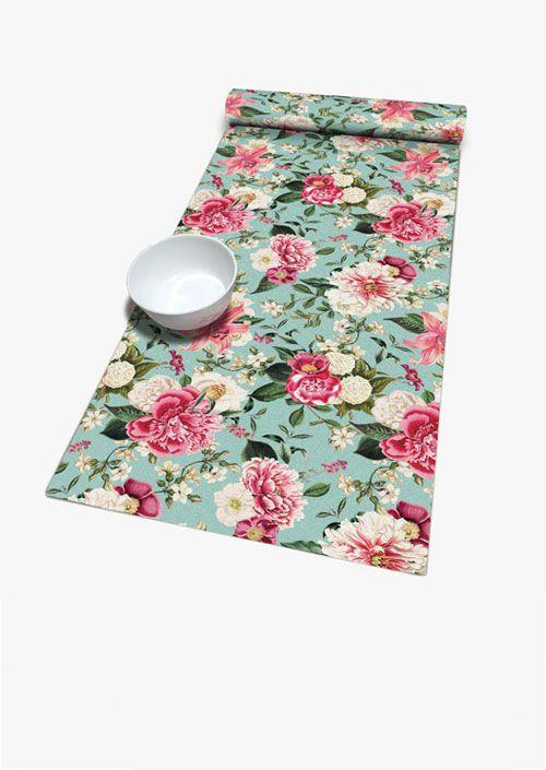 Camino de mesa, diseño floral inspirado en la obra de Laura Ashley