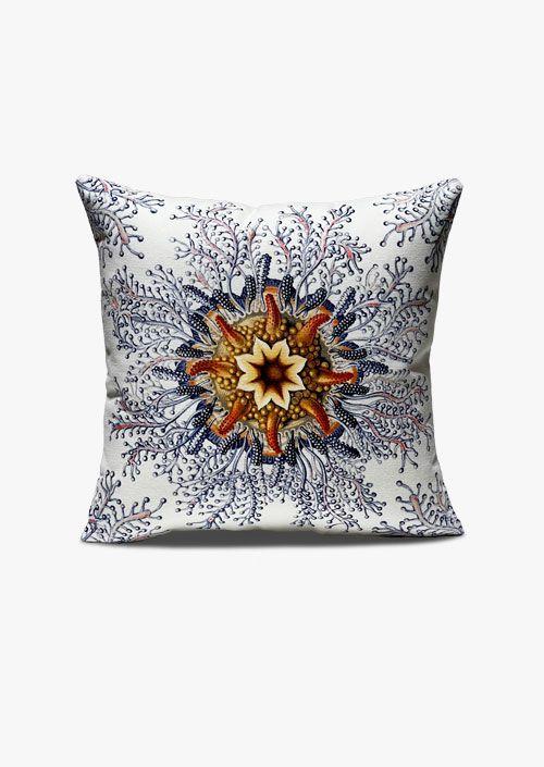 Funda de cojín decorativo con diseño inspirado en los grabados de Ernst Haeckel