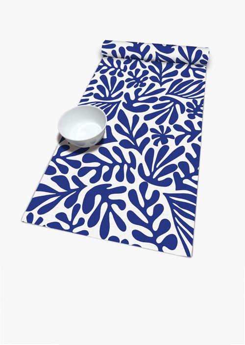 Camino de mesa en azul y blanco, colores mediterráneos